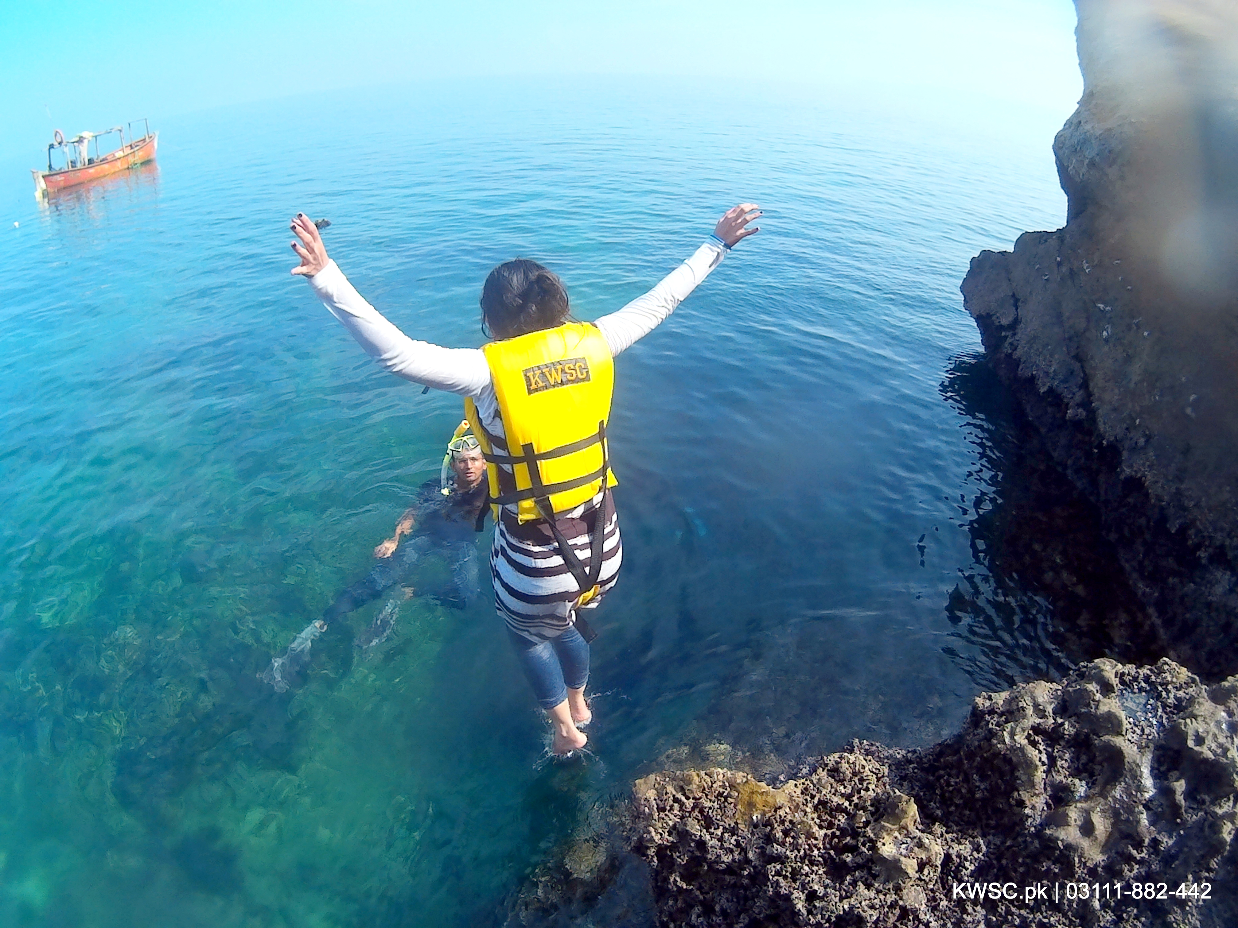 Churna Island Underwater photography, Cliff Diving and Snorkeling – Karachi Water Sports Club